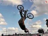 X TREME URUGUAY - All Sports video - Cool Shoe Tricks & Chicks