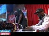 Champs-Élysées : 50 Cent dédicace ses casques