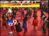 Kirit Somaiya Dance at Navratri Celebration 2012 at Mulund-TV9