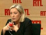 """Marine Le Pen, présidente du FN : """"Je suis atterrée par les réactions d'hystérie de la classe politique"""""""