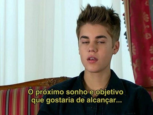 Justin Bieber fala sobre novo CD, turnê e Carly Rae Jepsen