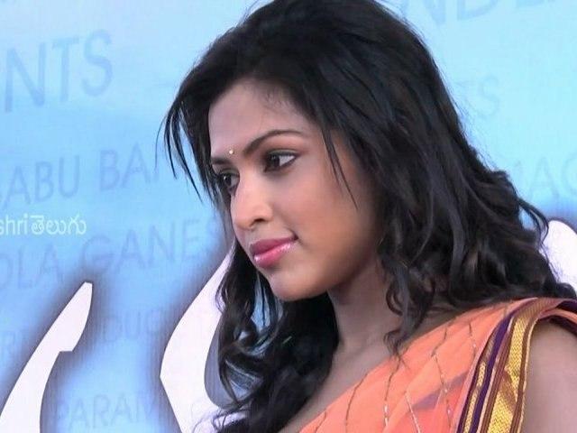 "Allu Arjun ""Idarru Ammayilatho"" Movie Opening - Tollywood News"