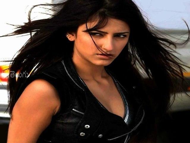 Ravi Teja To Romance Shruti Hassan & Anjali In Balupu - Tollywood News [HD]