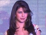 All's Not Well Between Priyanka Chopra And Kareena Kapoor - Bollywood Babes [HD]