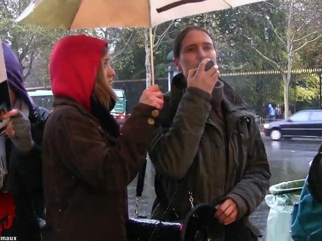 Rassemblement anti vivisection devant l'agence Air France du Jardin du Luxembourg (10.11.2012)