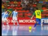 Gol de Falcão (futsal) com narração do gol de Falcão (futebol)