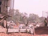 Des chars israéliens se positionnent à la frontière avec Gaza