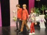 Défilé de mode enfants au salon du mariage de Montceau-les-Mines (20/11/12)