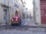 Une circulation difficile dans les rues du centre-ville de Carcassonne :