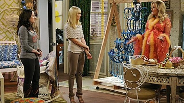2 Broke Girls Season 2 Episode 8 'And the Egg Special' Part 1.2