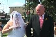 Elle envoie un texto pendant sa cérémonie de mariage