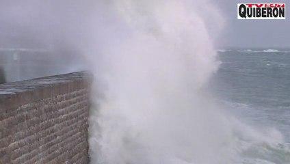 BRITTANY   |   Storm crazy big waves  Quiberon - QUIBERON 24 Television