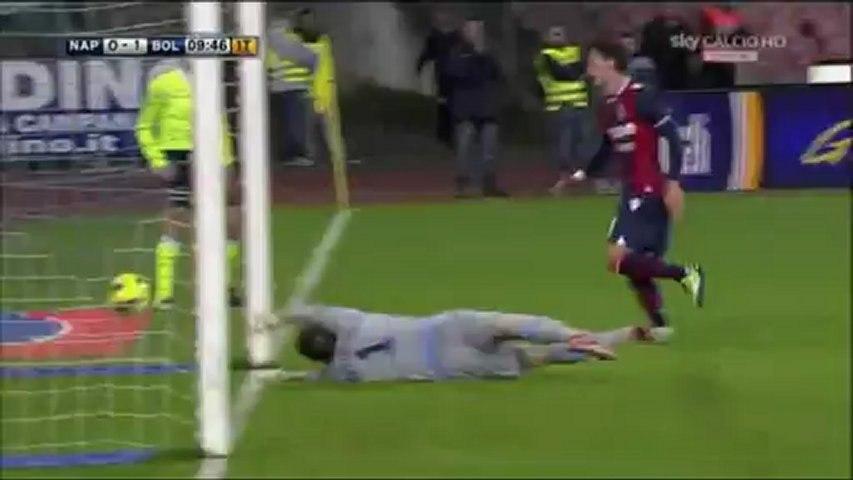 Il gol di Manolo Gabbiadini nella vittoria del Bologna a Napoli