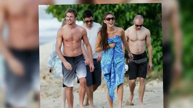 Jenson Button and Bikini-Clad Girlfriend Jessica Michibata Chill in Hawaii