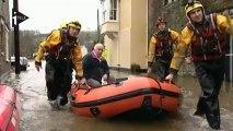 Royaume-Uni : d'importantes inondations à la veille de Noël
