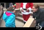 """Natale in giro per il mondo da New York a Mosca passando per Roma. Tradizioni, usanze e follie per fare gli auguri di """"Buon Natale"""""""