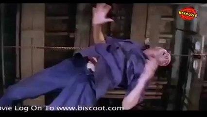 Hum: (Fight Scene)  Amitabh Bachchan  01