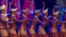 BONHEUR DE VIVRE A TAHITI / SOLEIL / FARNIENTE !... / Superbes chanteuses et danseuses ..