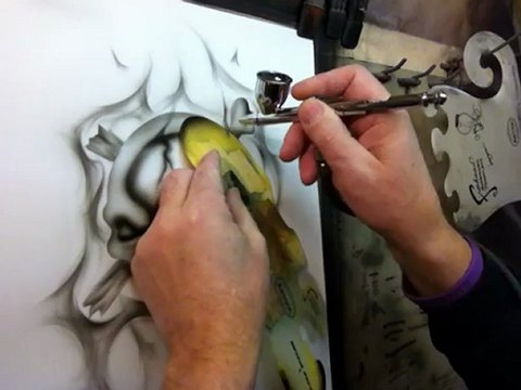 Airbrushing Skulls - Learn How To Use An Airbrush - Custom Painting