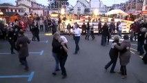 """VIDEO Quiberon fête Noël - Initiation aux danses bretonnes avec le cercle """"Bugale Armor"""" et """"Avel Breiz"""""""