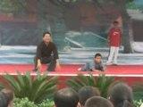 Papa et petit moine Shaolin