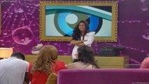 Alexandra e Joana discutem e trocam insultos  Alexandra chama suricata à Joana e Joana chama-lhe Vaca