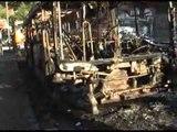 Napoli - Autobus della ANM distrutto da un incendio (07.01.13)