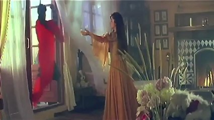 Unseen Shahrukh Khan & Gautami Hot Scene From Trimurti.mp4