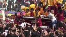 Philippines: des millions de catholiques à un défilé religieux
