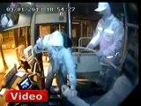 Ön kapıdan indirmeyen şoförü öldürdü! - İhlas Haber Ajansı (İHA)