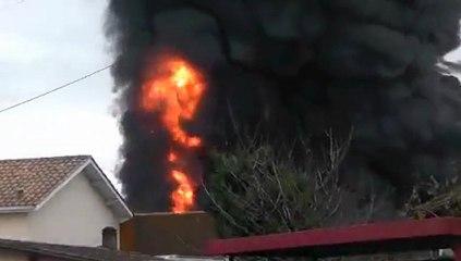 Bergerac : les flammes ravagent les entrepôts Bouchillou