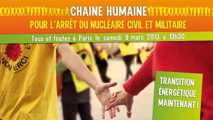 Chaîne humaine pour l'arrêt du nucléaire civil et miltaire à Paris le 9 mars 2013