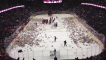 25 000 teddy bear on the ice ring* * * ***25 000 ours en peluche sur la patinoire