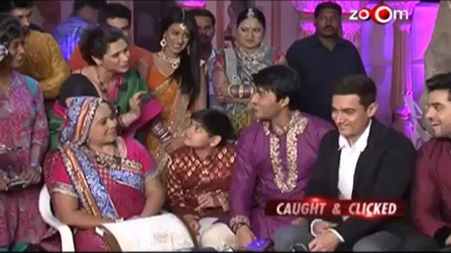 Aamir celebrates his son Azad's Birthday.mp4