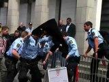 Procès Breivik : un homme tente de s'immoler par le feu devant le tribunal à Oslo