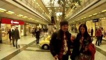 COCA COLA - Distributeur de bonheur - prouvez que vous êtes en couple pour la St Valentin