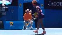 Serena Williams se défoule sur sa raquette lors de l'Open d'Australie 2013
