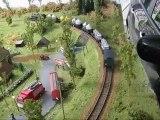 Train monoature : Réseau de Gérard : Video 75 : 040 TA et wagons de pulvérulents
