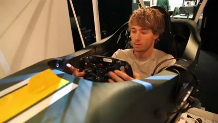 First look at the Caterham F1 simulator with Charl de