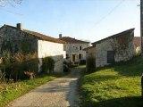 PN2591 Immobilier Tarn. Entre Gaillac et Cordes, dans un  petit hameau , ancien château  de 170m² de SH et 5 chambres,  8 ha de terres (prairies et bois).