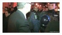 Zapping politique : des députés refoulés d'une manifestation Civitas par des CRS