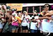 Rio, carnevale degli animali: sfila il gallo mascherato- VideoDoc. Cani e padroni affollano la spiaggia di Copacabana