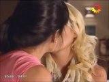 El apasionado beso de Gimena Accardi con una mujer en Sos mi hombre