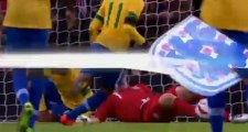 Penal atajado de Hart a Ronaldinho