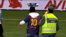 Barcelona fan invades the pitch to kiss Messi