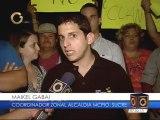 Vecinos de Los Chorros protestan por asesinato de hijo del político Claudio Fermín