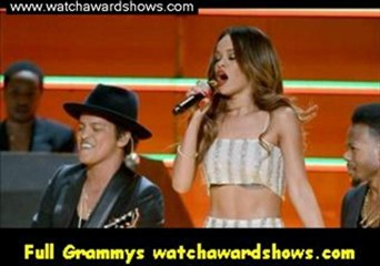 carrie underwood accepts the best country solo performance grammy 55th grammy awards 2013