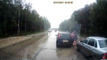 Accident : Père et Fille percutés par une voiture en Russie