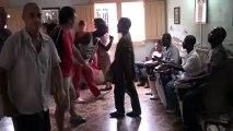 WWW.DANSACUBA.COM  Avec les cours de rumba de Jhonson et nani on se regale