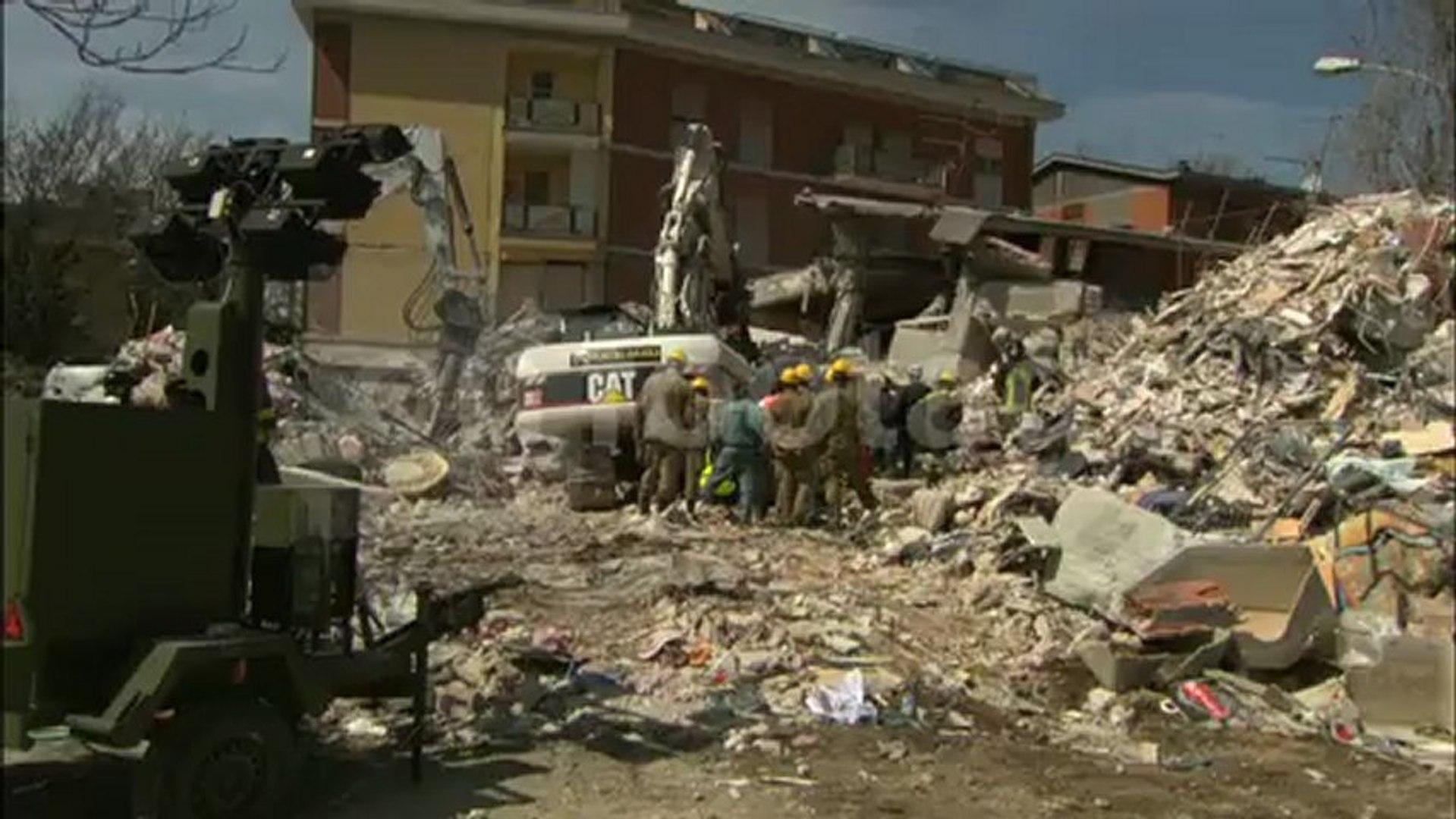 Terremoto dell'Aquila del 2009 / Italia / Stock Video & Stock Footage